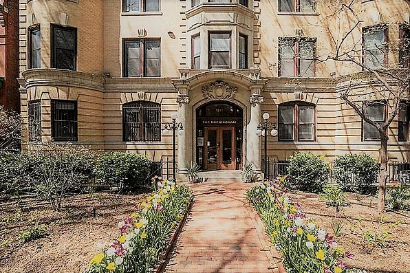Bask in the gorgeousness of Logan Circle.